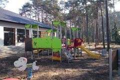Plac zabaw przy przedszkolu w Żarkach Letnisko